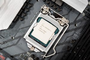 Leaked Benchmarks Show Intel is Dropping Hyperthreading from i7 Chips